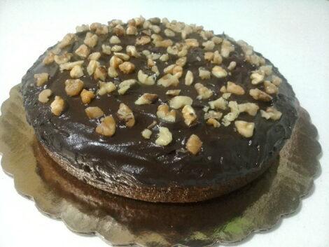 Cake con Cobertura Chocolate Fondant, Sabor Vainilla.