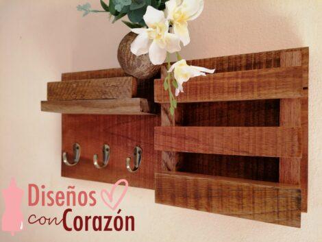 Organizador en madera de llaves y documentos