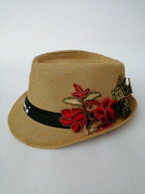 Sombrero con apliques rojos